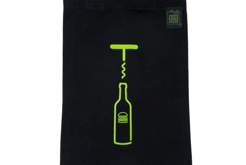 Closer image of wine bag.