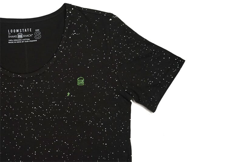 Another detailed image of the tee.
